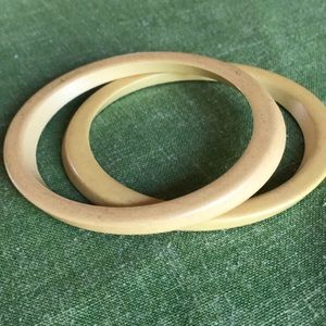 Bakelite pair of bangle jewelry bracelets vintage